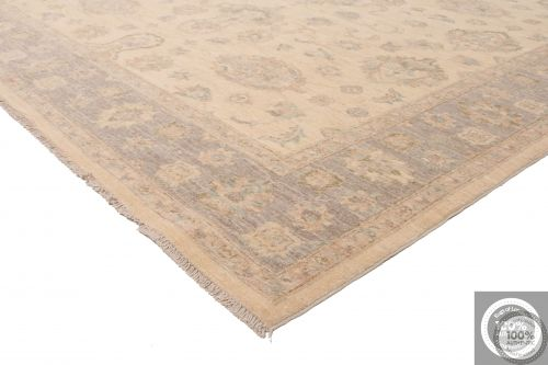Garous Ziegler design rug - Beige Background / Grey Borders - corner