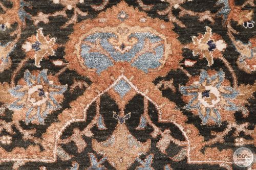 Polonaise Design Rug - Part Silk - 8'1 x 5'4