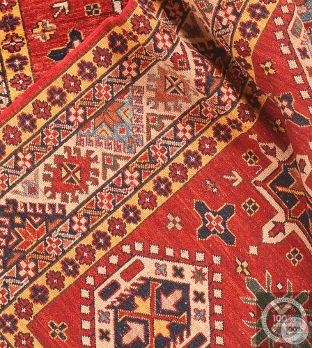 Shirvan design rug red