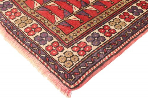 Persian Balouch Rug - Light Red / Purple / Beige - corner