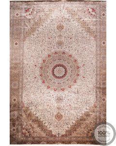 Fine Chinese Pure silk rug