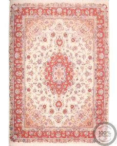 Persian Tabriz with silk highlight - 7'8 x 5'5